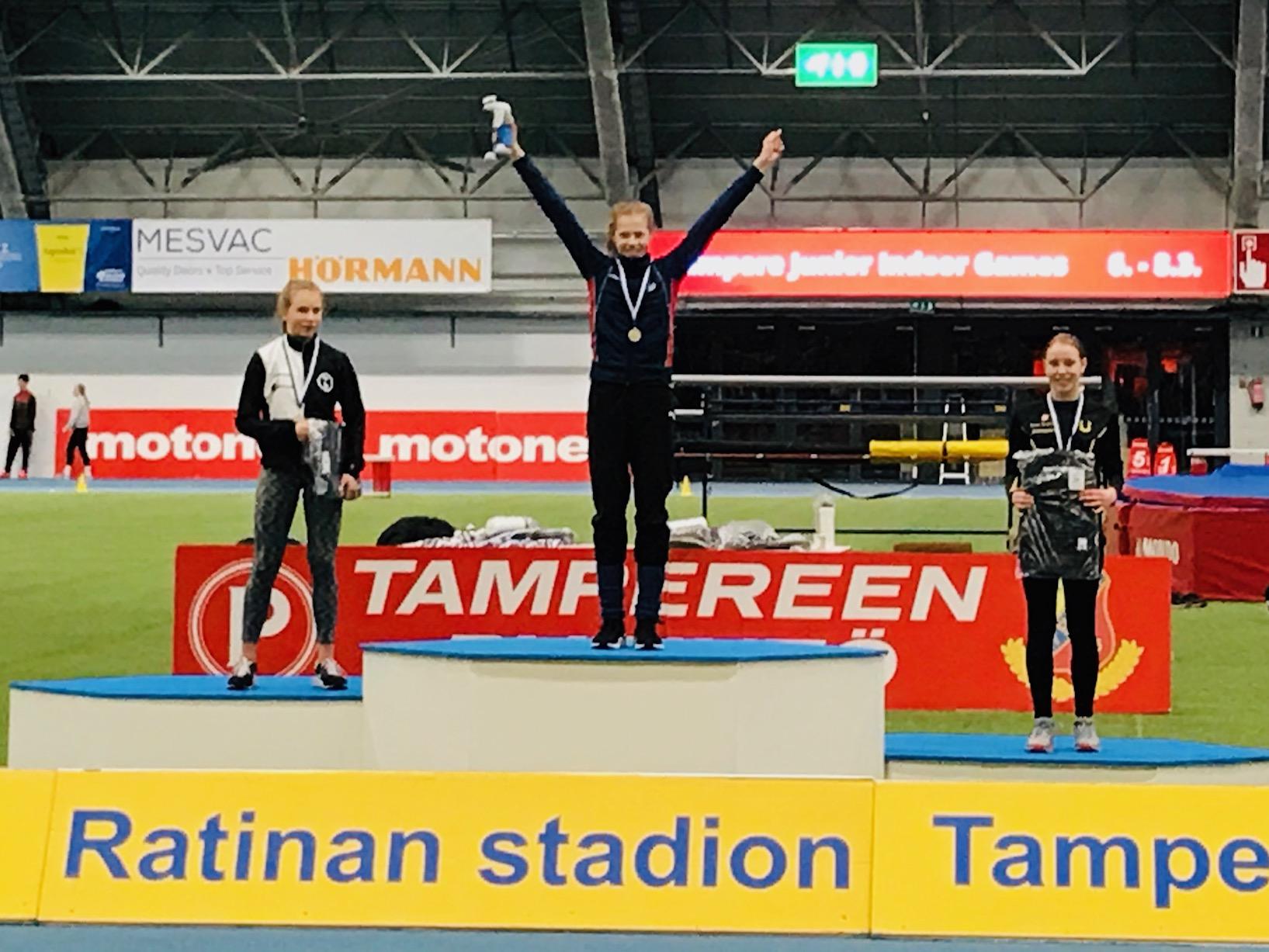 Jenny voitti 60m aj … Nuppu korkeushypyn