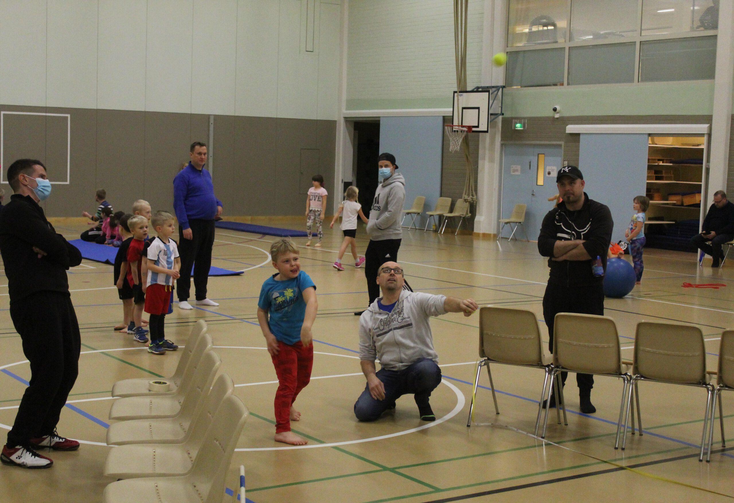 Lasten hallikisat urheilutalolla 18.11.2020